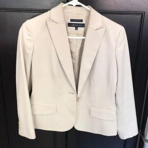 Anne Klein Jacket size 6P